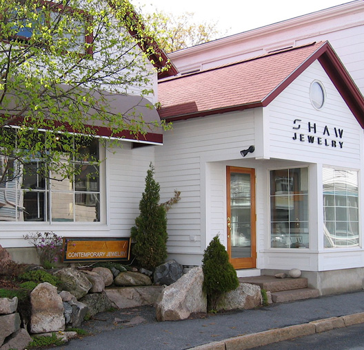 shaw contemporary jewelry and art gallery in northeast harbor maine