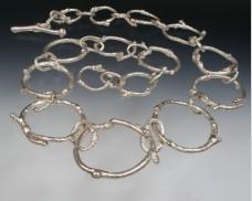 Graduated twig chain