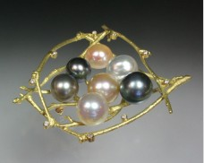 Twig nest brooch with pearls