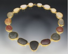 Transition necklace with beachstones