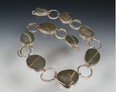 Beachstone necklace with circle links