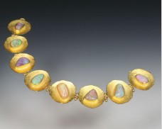 Disc bracelet with opals