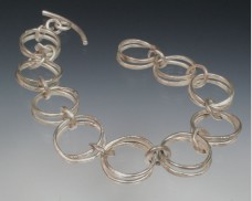 Hammered double link bracelet