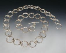Hammered double link necklace