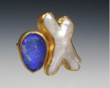 Opal & X pearl ring