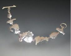 MDI seven island hinged bracelet