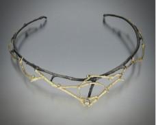 Twig neckpiece with diamonds