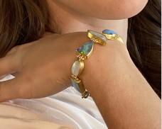 Opal hinged bracelet