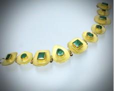 Emerald disc bracelet