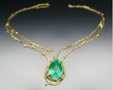 Twig collar with emerald