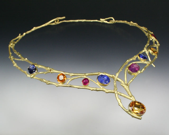Twig collar with sapphires (29.9cts)