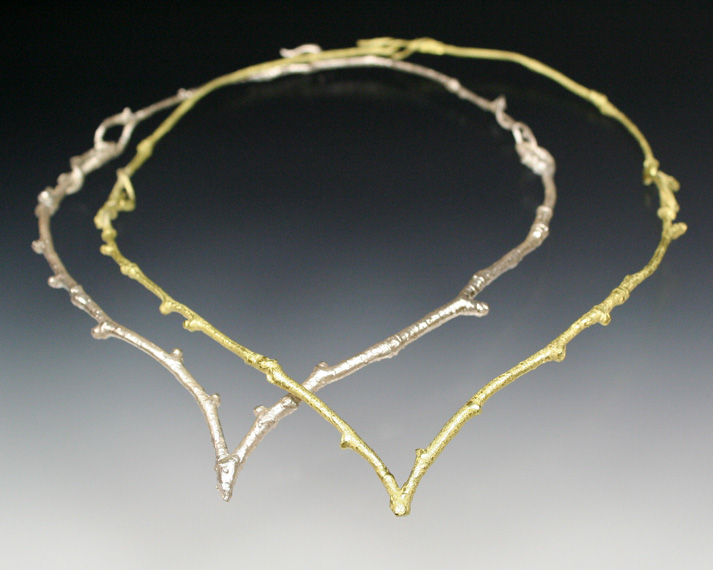 Single twig collar with clasp