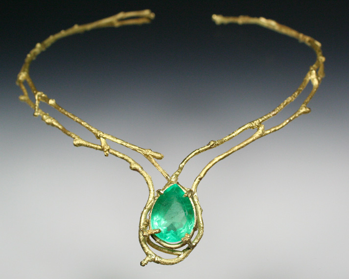 Twig collar with emerald